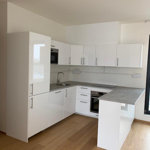 Kuchyně IKEA na klíč , včetně zakrytí odtahu digestoře
